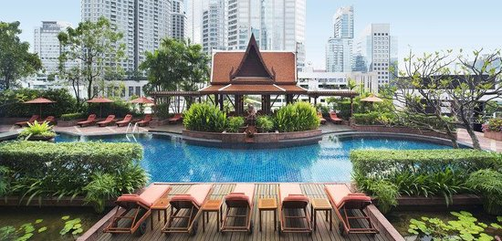 Plaza Athenee Bangkok, A Royal Meridien Hotel: Pool (roof top)