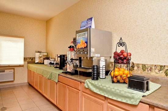 BEST WESTERN Newberg Inn: Breakfast Area