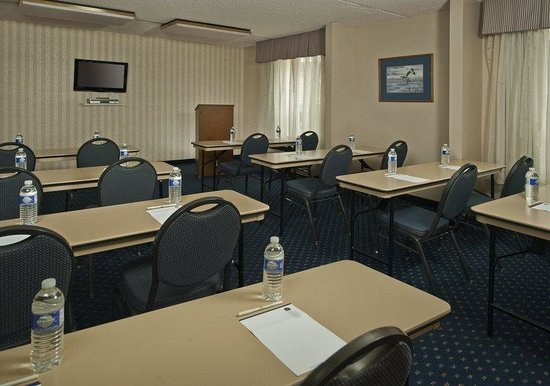 La Plata, MD: Meeting Facilities