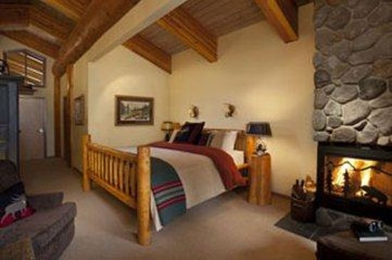 Moraine Lake Lodge : Honeymoonsuitesml