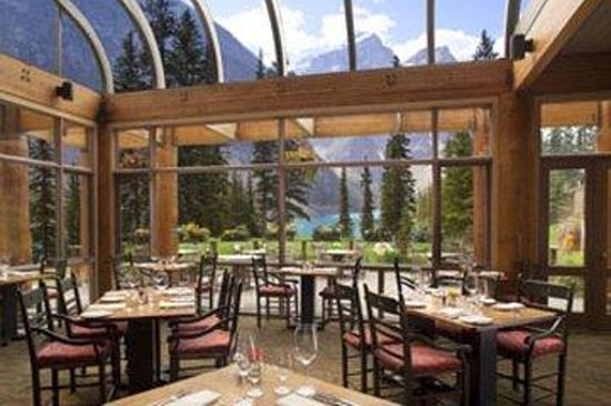 Moraine Lake Lodge: Diningroomcopysml