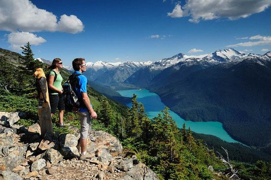 Crystal Lodge Hotel: Whistler Hiking