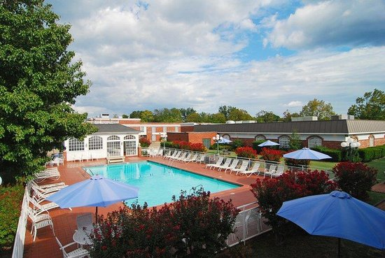 BEST WESTERN Eureka Inn: Pool and Hot Tub Cabana