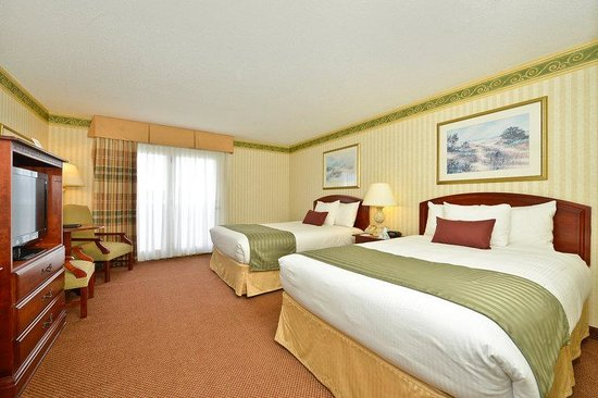 BEST WESTERN PLUS Freeport Inn: Two Doubles Guest Room