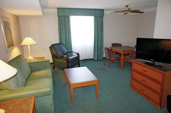 La Quinta Inn Norfolk Virginia Beach: Guest Room