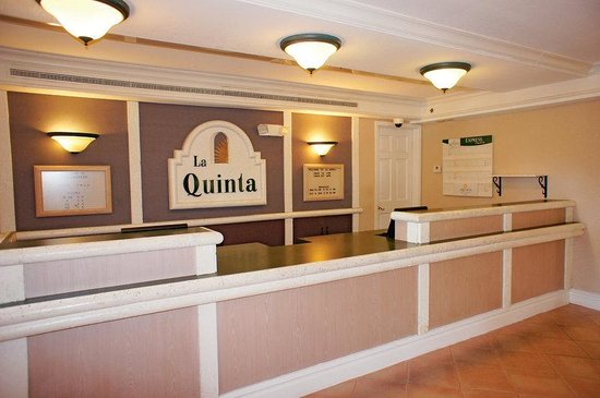 La Quinta Inn Tallahassee South: Front Desk