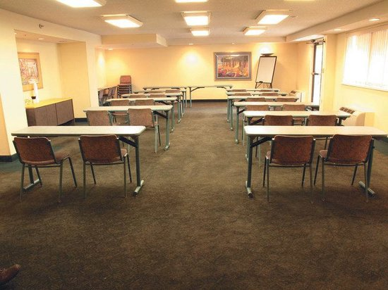 La Quinta Inn Tampa Near Busch Gardens: Meeting Room