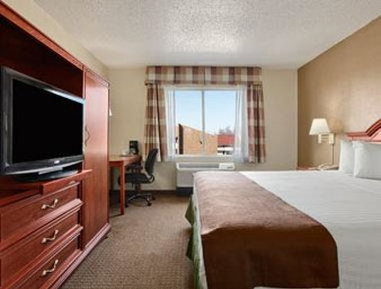 Baymont Inn and Suites- Louisville East: Standard King
