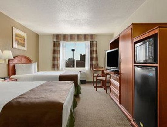 Baymont Inn and Suites- Louisville East: Standard Double Double