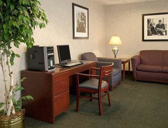 Baymont Inn & Suites Cincinnati: Business Center