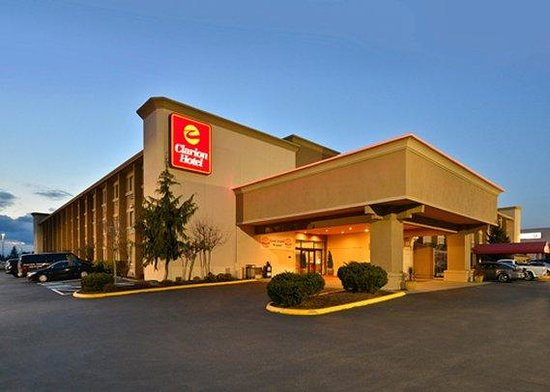 Clarion Hotel Seattle Federal Way: exterior