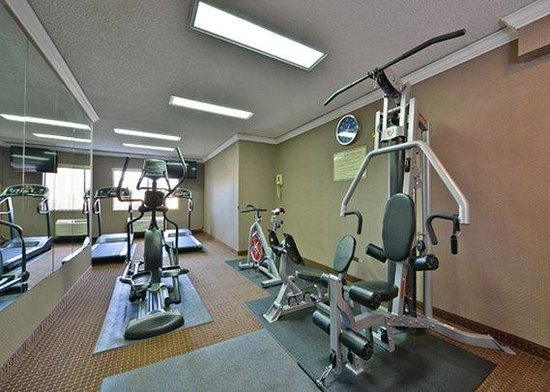 Clarion Hotel Seattle Federal Way: fitness center