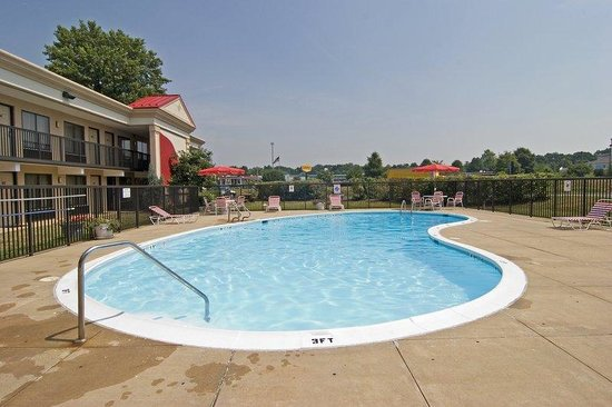 BEST WESTERN Invitation Inn: Outdoor Pool