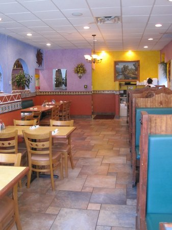 Spencer, MA: Mexicali Dining Room