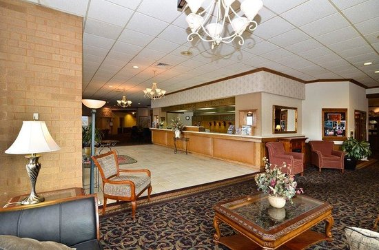 BEST WESTERN Plus Midway Hotel & Suites-Brookfield: Lobby