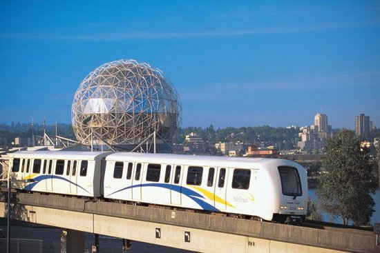 BEST WESTERN PLUS Coquitlam Inn Convention Centre: Sky Train