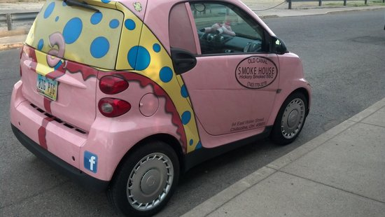 Chillicothe, OH: little pink pig car