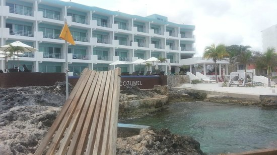 Hotel B Cozumel: View toward the hotel