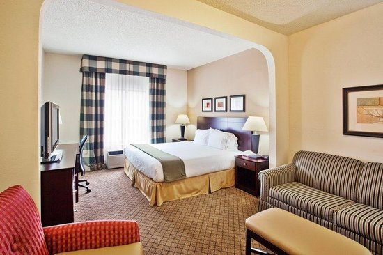 Holiday Inn Express Atlanta-Emory University Area: King Bed Guest Room