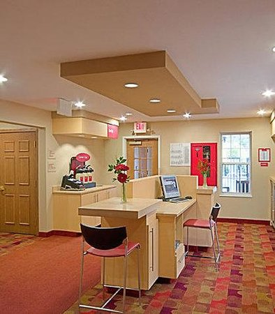 TownePlace Suites Portland Scarborough: Business Center