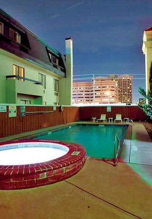 La Quinta Inn Dallas LBJ/Central: Pool