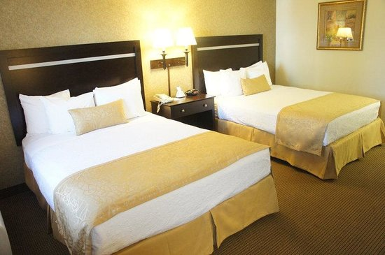 BEST WESTERN PLUS Pleasanton Inn: Two Bed Guest Room