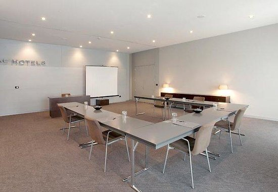 AC Hotel Arezzo by Marriott: Forum Meeting Room