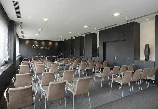 AC Hotel Padova: Gran Forum Meeting Room – Theater Style