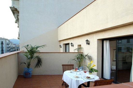 Hotel Roger De Lluria Barcelona: Classic Double Balcony
