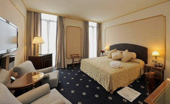 Hotel Roger De Lluria Barcelona: Double King Size