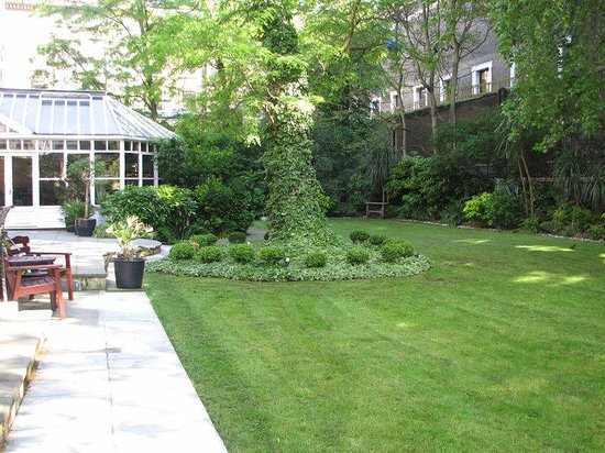 Grange White Hall Hotel: garden