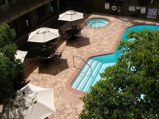Resort Style Pool Area Holiday Inn Express Simi Valley