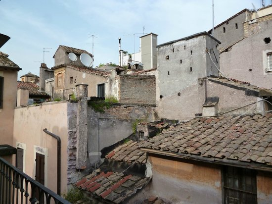Residenza Canali ai Coronari: side view from the terrace