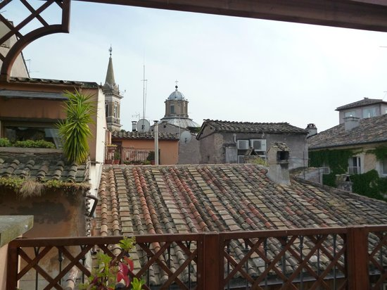 Residenza Canali ai Coronari: front view from the terrace