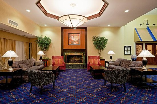 Holiday Inn Boxborough (I-495 Exit 28): Hotel Lobby
