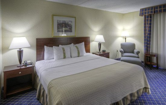 Holiday Inn Boxborough (I-495 Exit 28): King Bed Guest Room