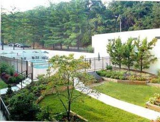 Glen Burnie, MD: Pool