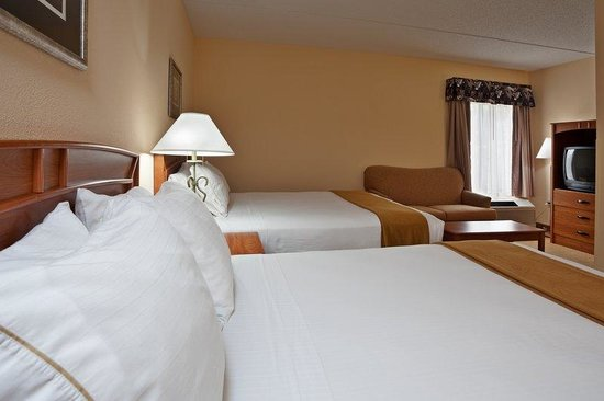 Holiday Inn Express & Suites Research Triangle Park: Kick back and catch up with your favorite TV shows.