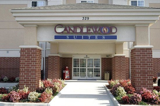 Candlewood Suites Newport News: Feel welcomed as you enter through our auto door opening