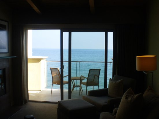 Malibu Beach Inn: View from the bed