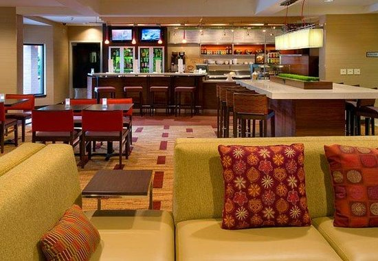 Courtyard by Marriott Portland Southeast: Bistro