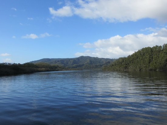 Strahan, Avustralya: The beautiful Gordon River....