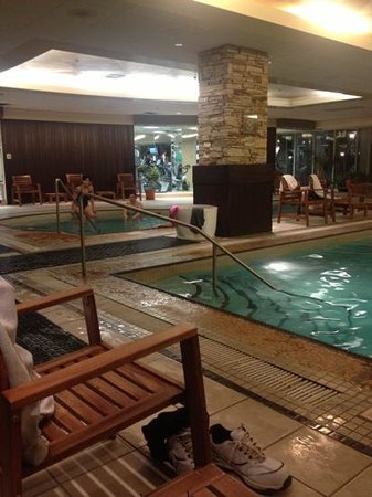 Rimrock Resort Hotel: Hot Tub and Gym Area