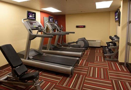‪‪Courtyard Orlando Airport‬: Fitness Area‬