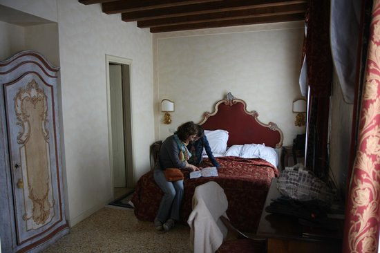 Hotel Tiziano : Notre chambre 