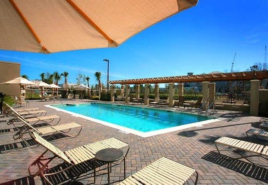 Courtyard by Marriott Jacksonville Flagler Center: Sparkling Outdoor Pool