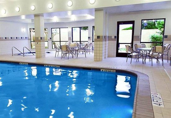 Courtyard by Marriott Peoria: Indoor Pool &amp; Whirlpool