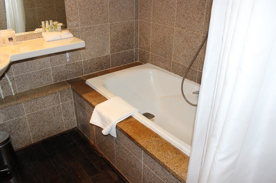 Saint James & Albany Hotel-Spa : bathroom