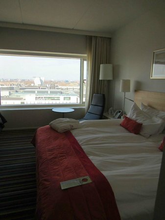 Crowne Plaza Copenhagen Towers: Camera con vista sulla citta'