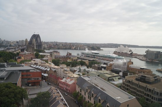 Shangri-La Hotel Sydney: Day view from window